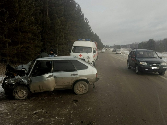 Погиб водитель: на Южном Урале женщина на «Ладе» протаранила встречный автомобиль