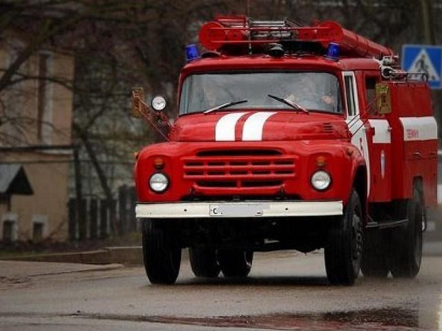 В Челябинской области на пожаре погибли хозяин квартиры и его сосед