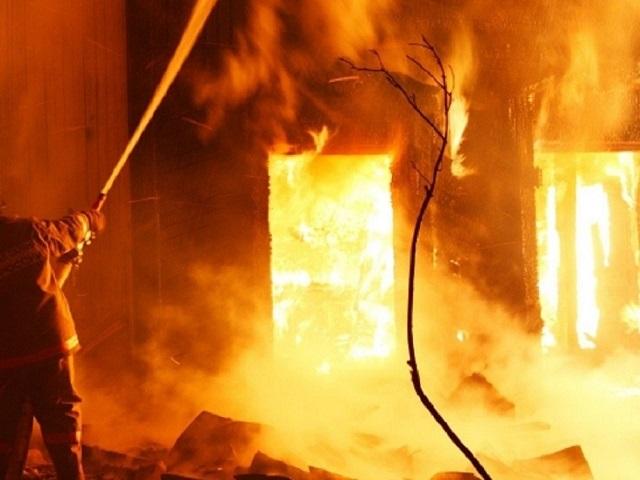 В Челябинской области в ночном пожаре погибла девушка
