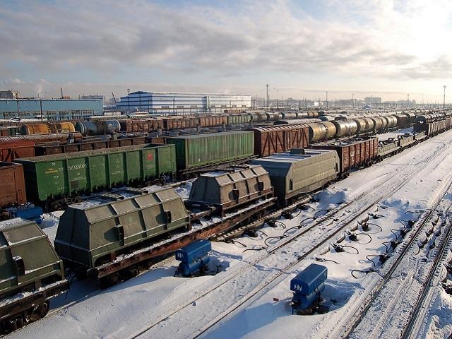 В грузовом поезде обнаружили двух сбежавших подростков из Челябинской области