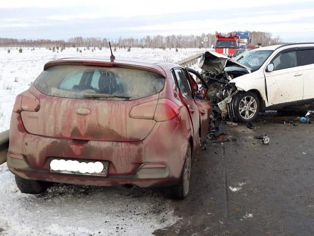 Пассажирка кроссовера погибла в лобовом ДТП на Южном Урале