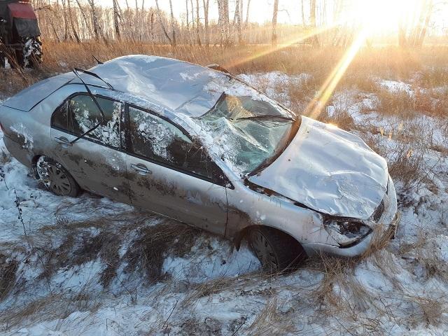 В Челябинской области легковушка вылетела с дороги