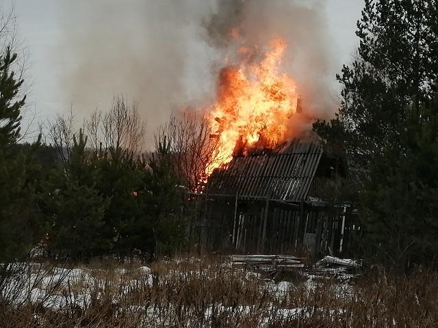 Под Миассом сгорел дачный домик