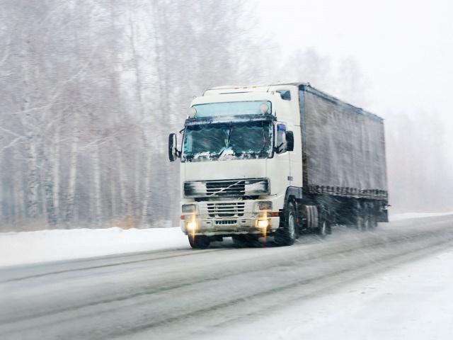 Большегрузам разрешили въезд в Челябинск после жалобы торговой сети
