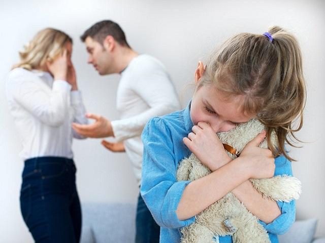 В России может появиться уголовная ответственность за отказ передать ребенка