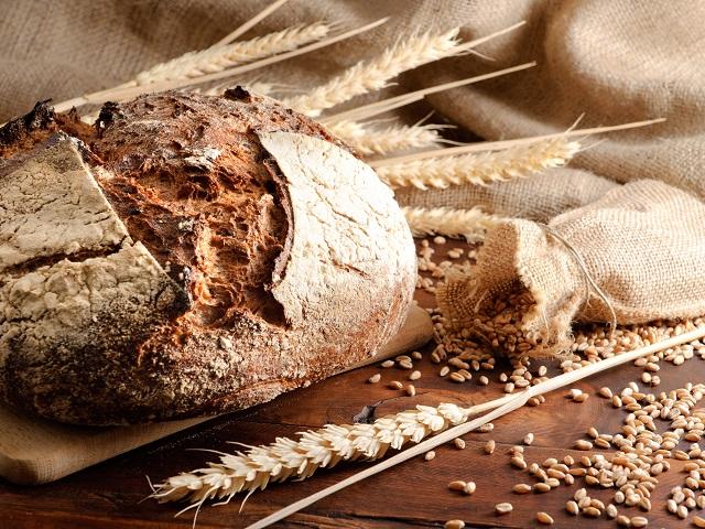 Эксперты предсказывают рост цен на черный хлеб в России