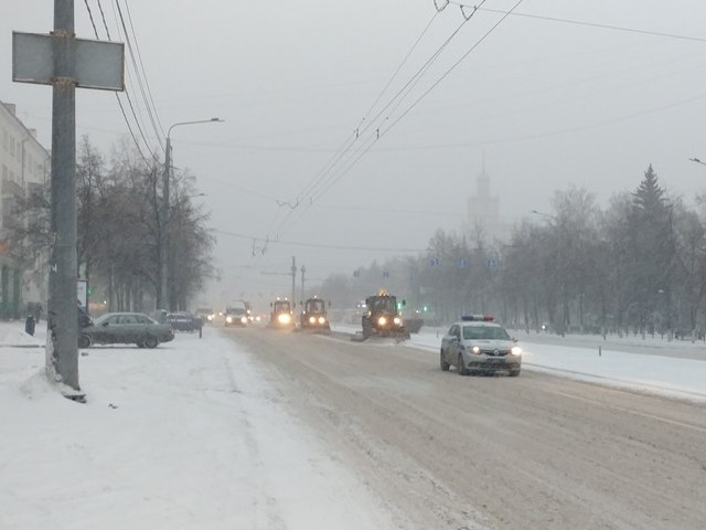 Осторожно, снегопад: ГИБДД предупреждает южноуральских водителей о сложностях на дорогах