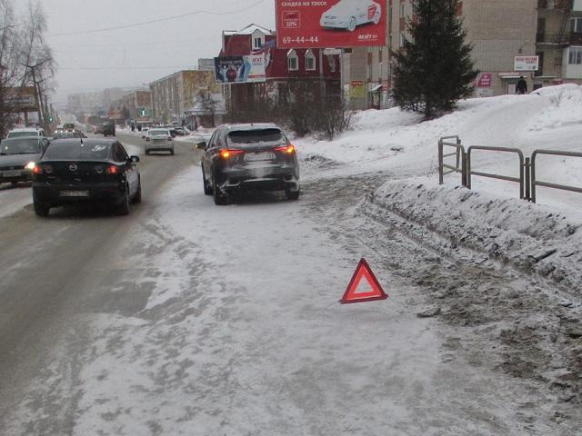 Полиция ищет свидетелей ДТП, в котором пострадал попавший под колёса Lexus златоустовец