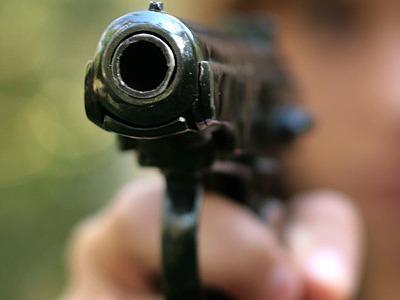 Златоустовский таксист угрожал конкуренту газовым пистолетом