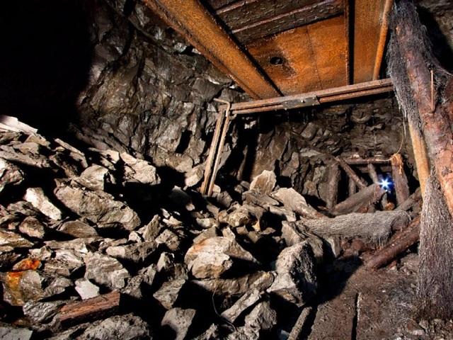 Один человек погиб при обвале шахты на Южном Урале