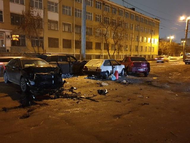 Пострадала пассажирка: в Челябинске пенсионер спровоцировал массовое ДТП