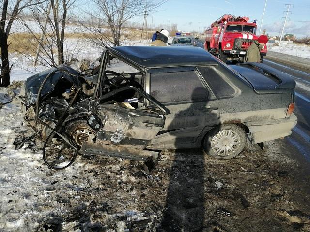 Два человека разбились в лобовом ДТП на Южном Урале