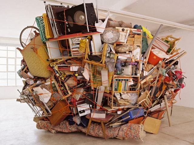 Без сожалений: вещи, от которых нужно избавиться во время уборки