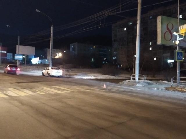 В Миассе водитель такси сбил женщину, переходившую дорогу