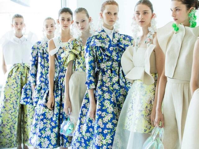 Весна пришла: десять вещей с цветочным принтом
