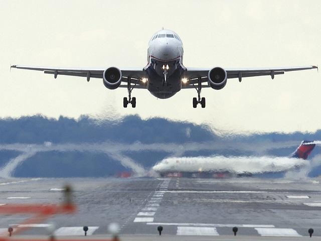 Еще четыре самолета получили сообщения об угрозе взрыва