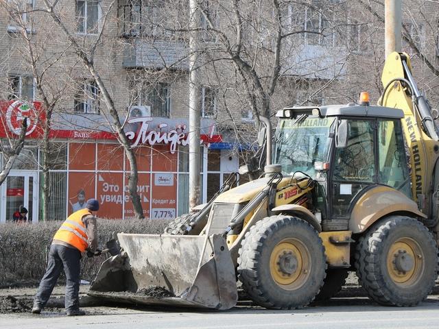 В Миассе приступили к весенней уборке дорог