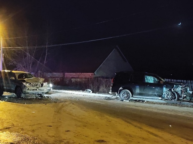 В Челябинской области произошло ДТП с участием двух внедорожников и легковушки