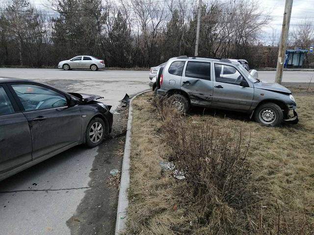 В Миассе женщина пострадала в массовом ДТП с участием четырёх автомобилей