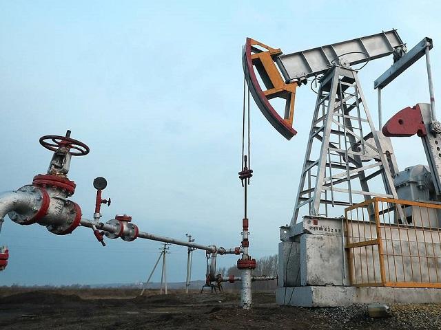 Впервые с 1999 года: цена нефти Brent опустилась ниже $16