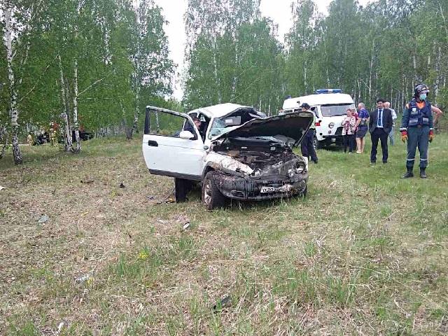 Водитель погиб, четверо пассажиров пострадали: на Южном Урале перевернулся внедорожник