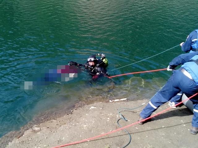 В Челябинской области девушка погибла в рухнувшей в воду машине