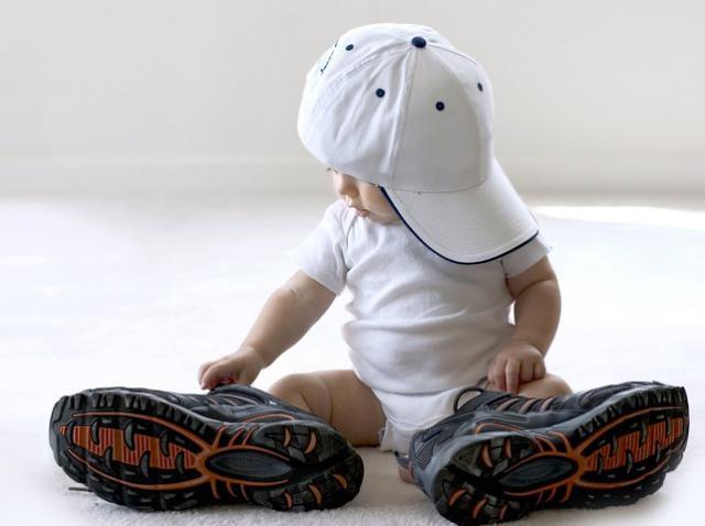 Удобная и яркая детская обувь на лето: 8 вариантов