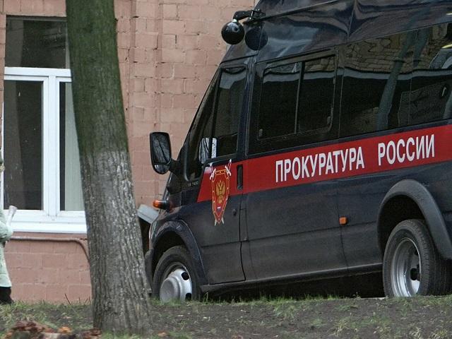 Била кабелем от телевизора и душила: в Челябинской области мать осудили за истязание дочерей