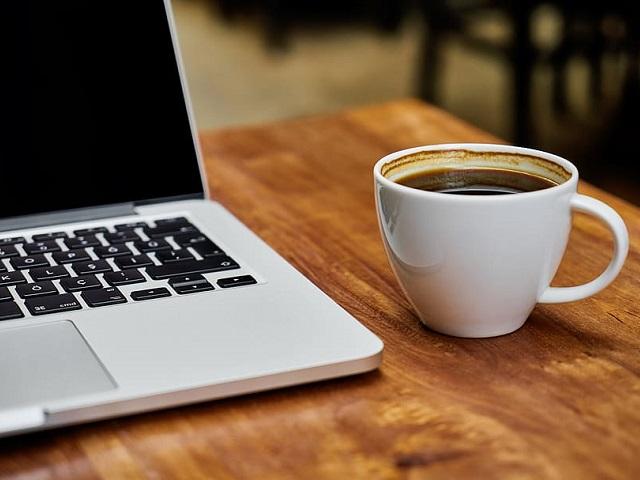 Не сжигает жир: диетологи рассказали, как кофе ведёт к избыточному весу