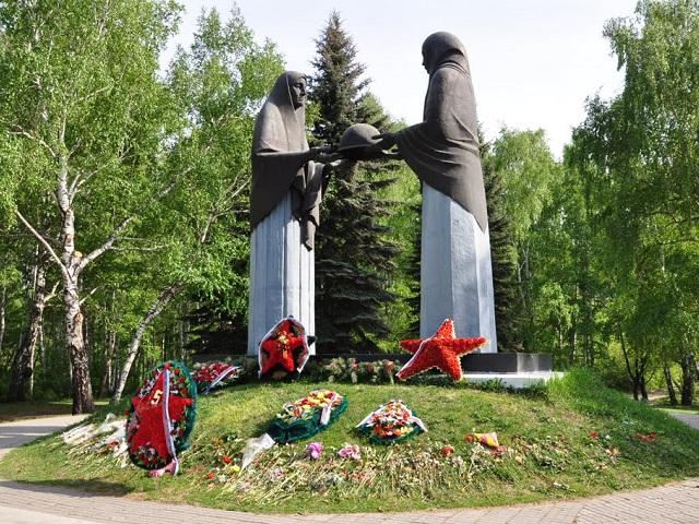 Челябинску и Магнитогорску будет присвоено звание «Город трудовой доблести»
