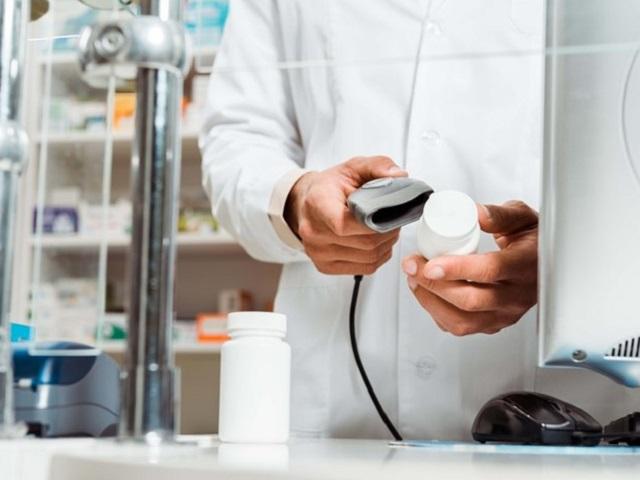 В аптечке есть у каждого: в России резко подорожало популярное обезболивающее