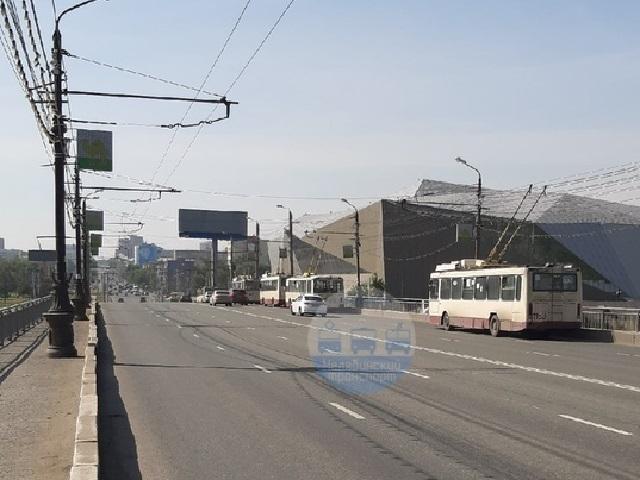 «В половине города нет электричества»: в Челябинске встали троллейбусы из-за отсутствия напряжения
