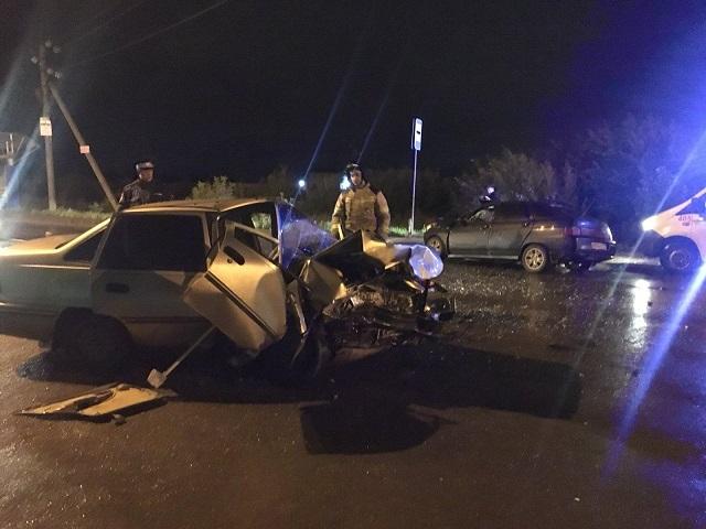 В Челябинске двое водителей серьёзно пострадали в лобовом ДТП