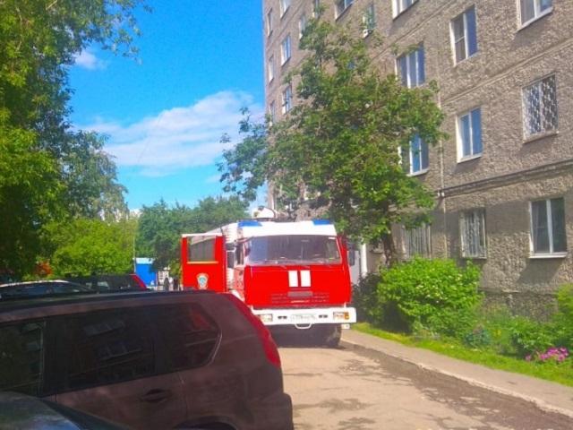 В Аше два человека едва не погибли при пожаре в многоэтажке