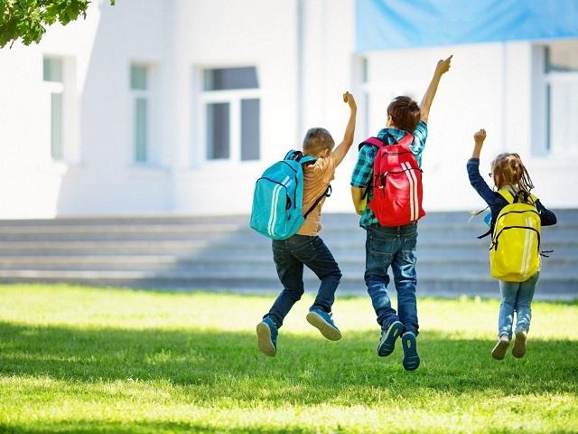 Российские школы возвращаются к традиционным форматам обучения