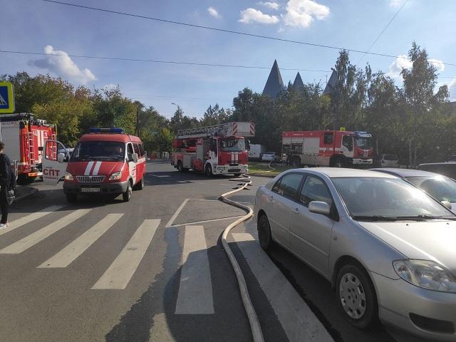 Челябинец, спасаясь от пожара, спрыгнул с крыши 10-этажного дома
