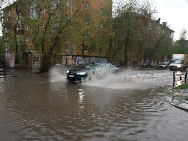 Ливни задержатся: в Челябинской области продлили экстренное предупреждение