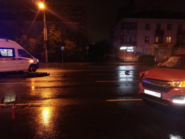 Погиб пешеход: в Челябинске ночью под колёса легковушки попал мужчина