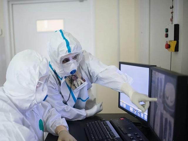 В Челябинской области за сутки коронавирусом заразились трое школьников