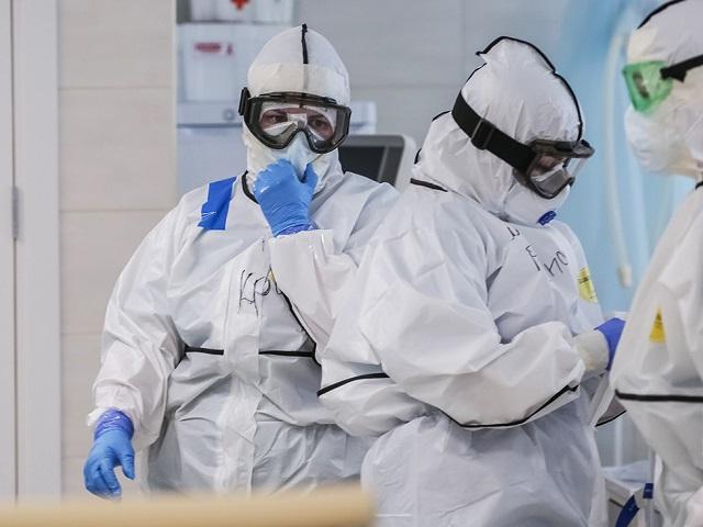 В Челябинской области за сутки 77 человек заразились COVID-19. Семеро из них - школьники