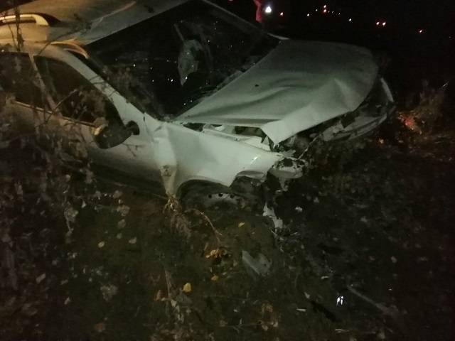 Водитель госпитализирован: под Миассом легковушка улетела в кювет
