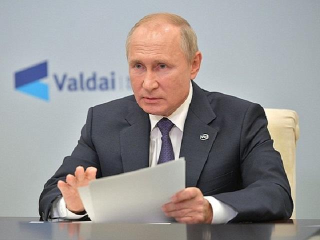 Путин рассказал о своих планах остаться на посту президента после 2024 года