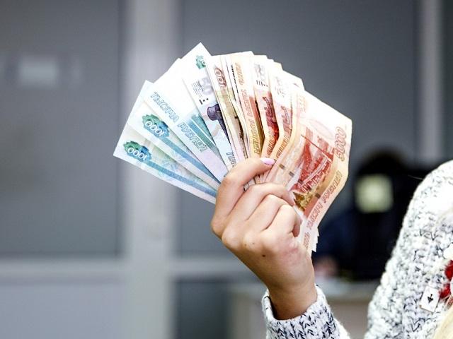 На вопросы южноуральцев о прямых выплатах пособий ответят на «горячей линии»