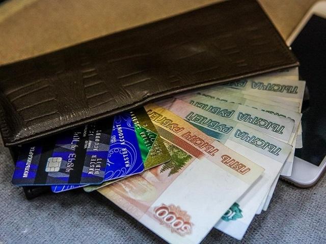 Челябинка лишилась почти 2 млн рублей, пытаясь отменить оформление кредита