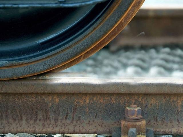 В Миассе машинист поезда переехал лежащего на рельсах мужчину
