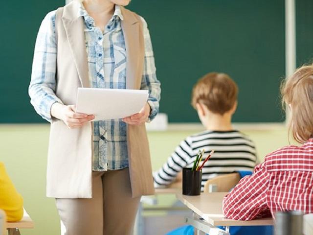 Челябинским учителям будут доплачивать по 5 тысяч за классное руководство