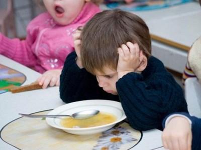 Россиянам обещают уменьшить плату за детсад
