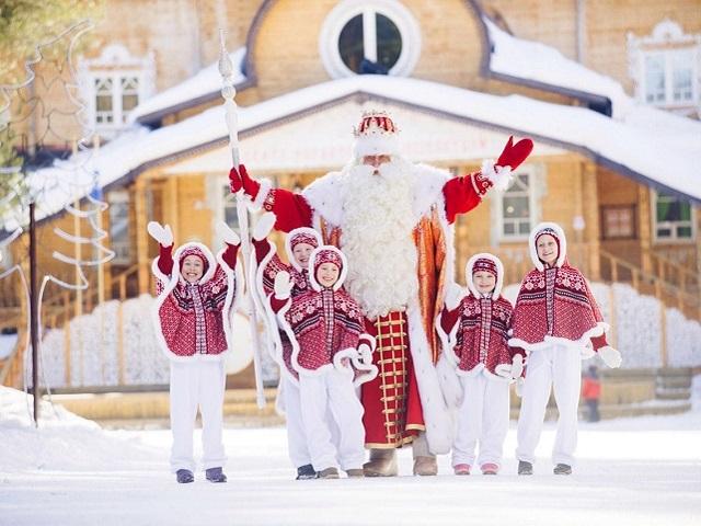 Российский Дед Мороз отмечает свой день рождения