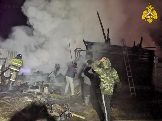 Двое южноуральцев погибли в крупном пожаре в доме престарелых в Башкирии