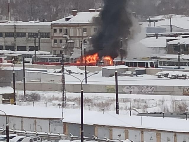 В Челябинской области в трамвайном депо произошёл пожар
